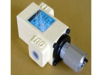 低油圧流量制御弁